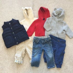 3 baby gap outfits and Gymboree vent